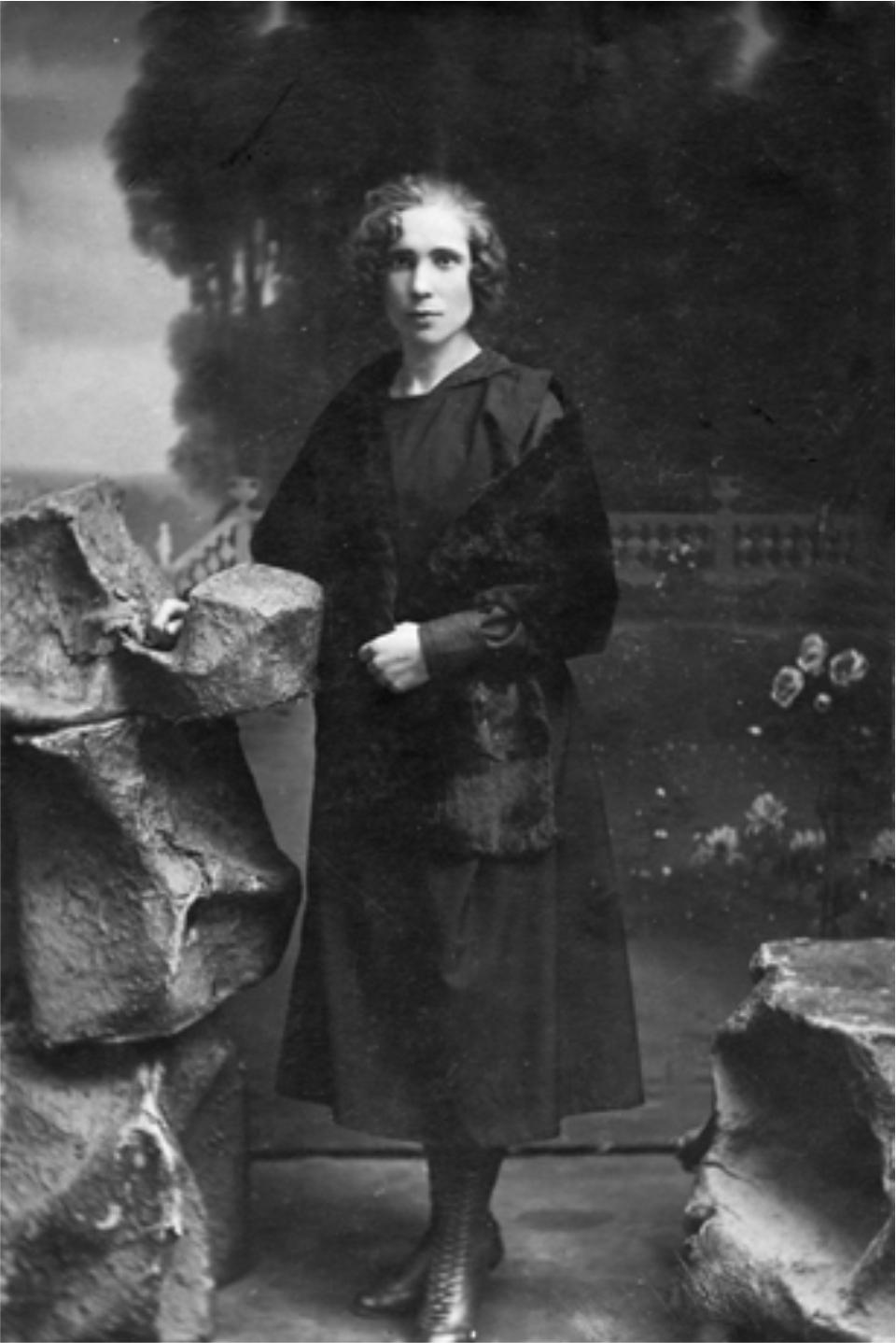 https://www.jmuseum.lt/uploads/userfiles/zuvanciuju_gelbejimo_kryziaus/1923-06-07_Adelė-Milvidaitė__Alytus.jpg